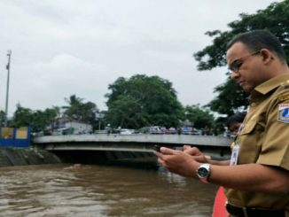 Banjir! Cara Anies Lindungi Warga Jakarta dari Air Kiriman Katulampa
